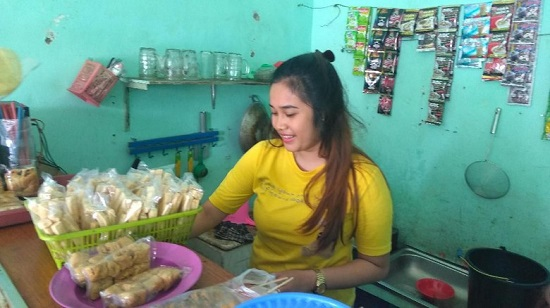 Clearesta Alda Tulistyono, Penjaga Warung Kopi Cantik Yang Jadi Viral