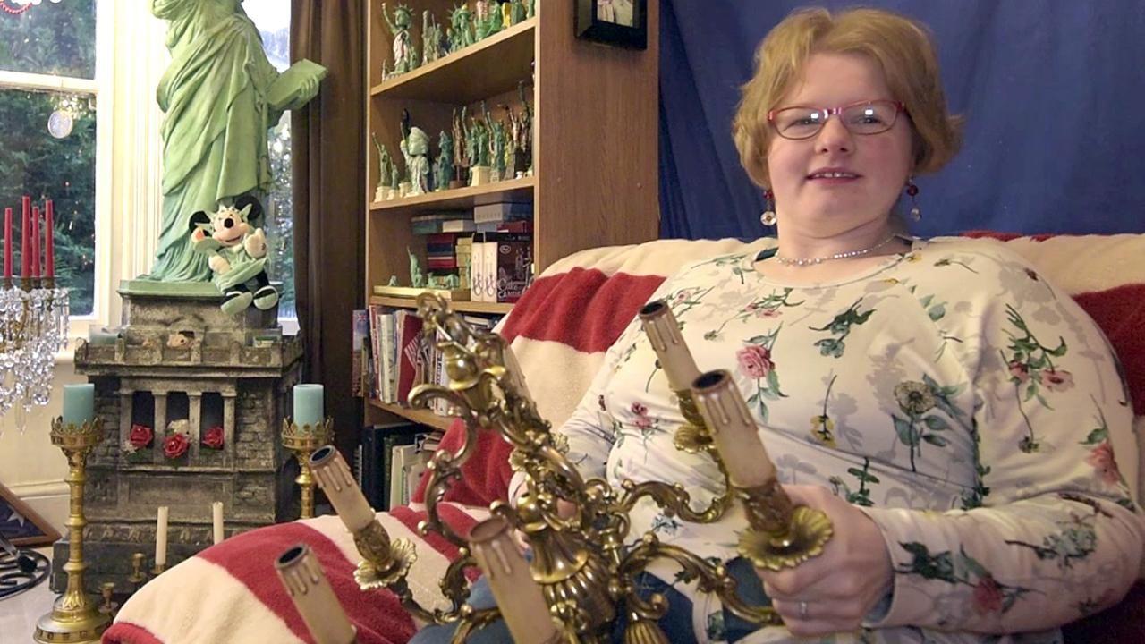 chandelier, Amanda Liberty