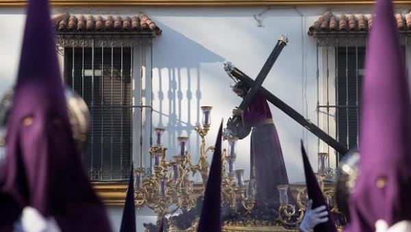 El juego de bandas del Miércoles Santo de Córdoba deja al Señor del Calvario sin música