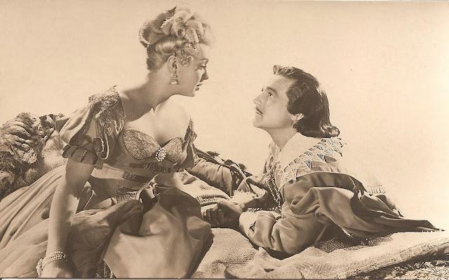 Foto postal retro de Lana Turner y Gene Kelly en Los Tres Mosqueteros