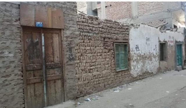 النيابه تعاين منزل طالب قنا المنتحر بسبب يأسه من الشفاء.