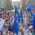 Óriási gigatüntetés Sargentini mellet – A teljes ellenzék felvonult, mindenki ott volt, legalább 1500 ember