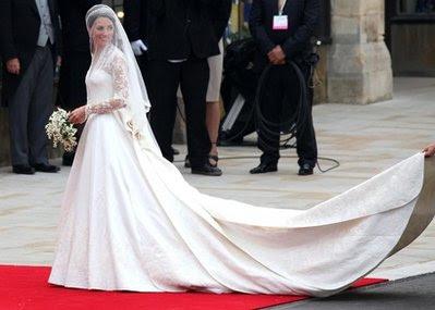 William and Catherine Mountbatten-Windsor, kate wedding dress