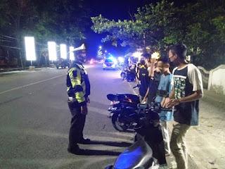 Patroli Dialogis Satlantas Polres Sinjai Sampaikan Imbauan Kamseltibcar Lantas dan Prokes