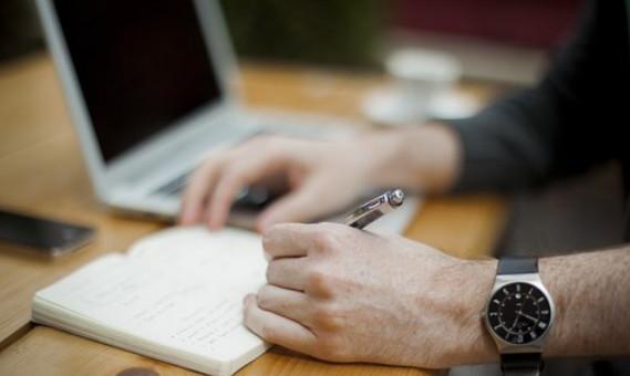 Membuat sebuah artikel yang berkualitas tentu bukan hal gampang yang bisa dilakukan oleh set 5 Cara Menulis Artikel Berkualitas di Blog, Yang Perlu Anda Ketahui