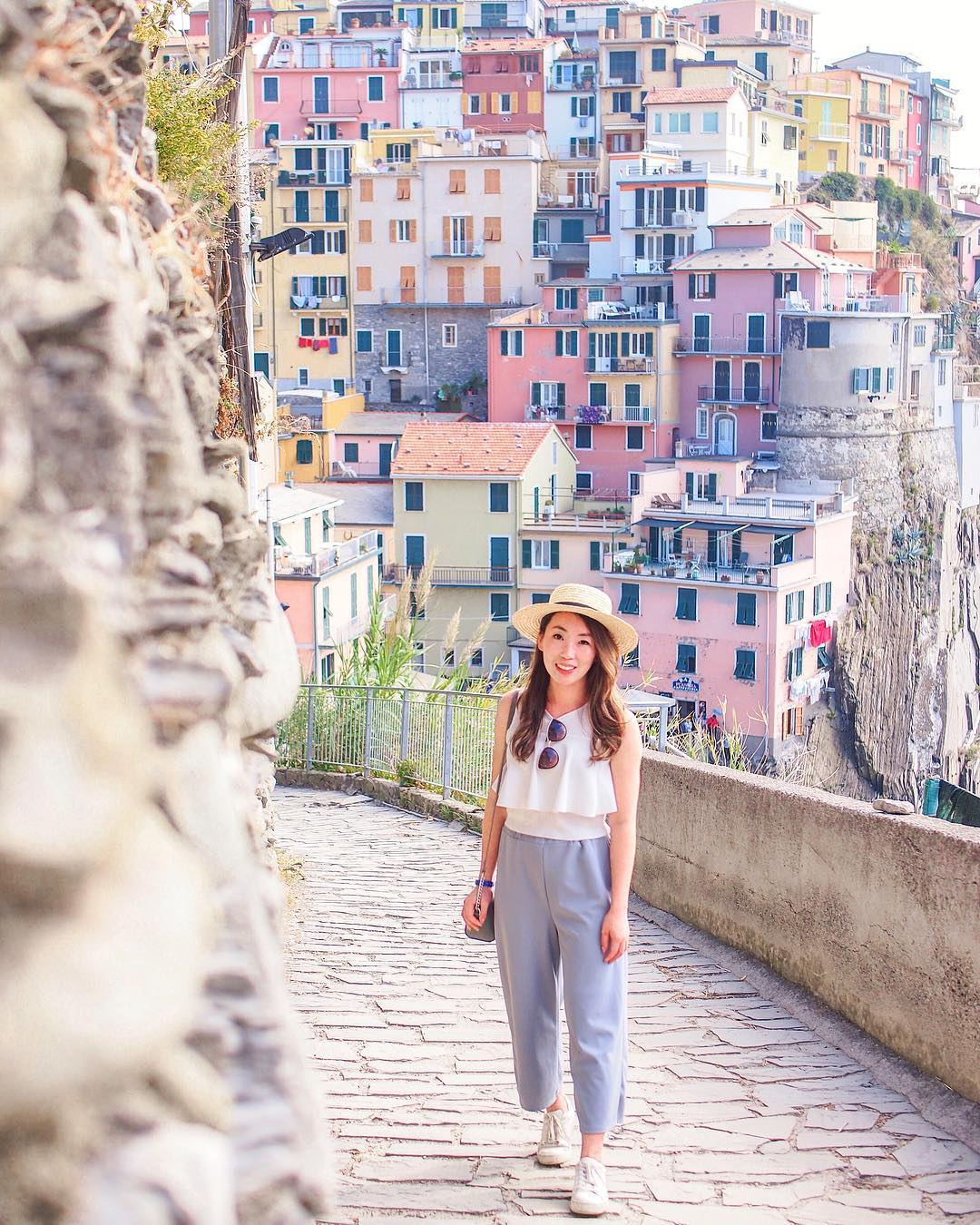 8 Ways To Bring Down Those GlobeTrotting Costs - Cinque Terre, Italy