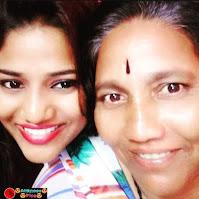Ruks Khandagale mother name