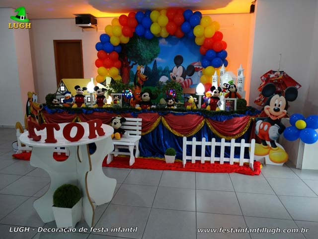 Decoração de mesa de aniversário tema Mickey Mouse - Festa infantil masculina tradicional forrada de tecido
