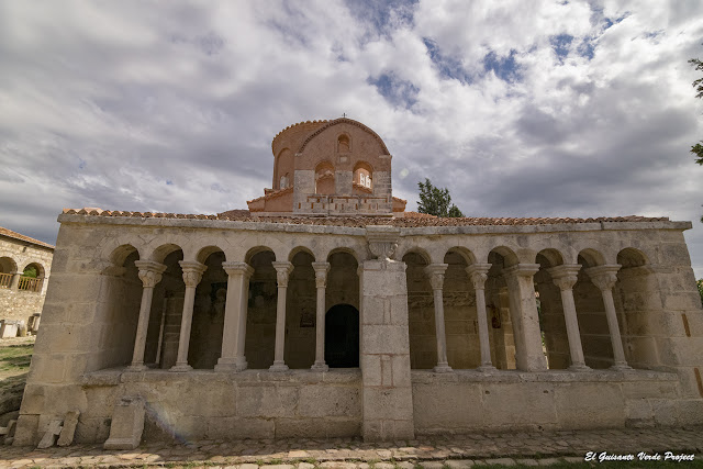 Pórtico Iglesia Monasterio Santa Maria - Apolonia, Albania por El Guisante Verde Project