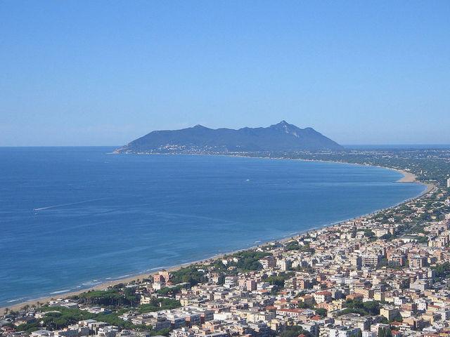 File:Terracina-vista01.jpg