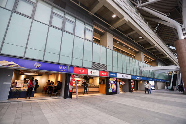 台中驛鐵道文化園區「鐵鹿大街」結合美食藝文讓百年車站愌然一新