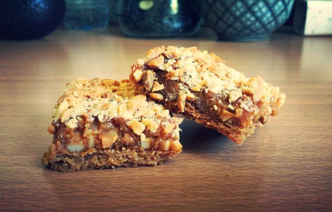 caramel peanut bars