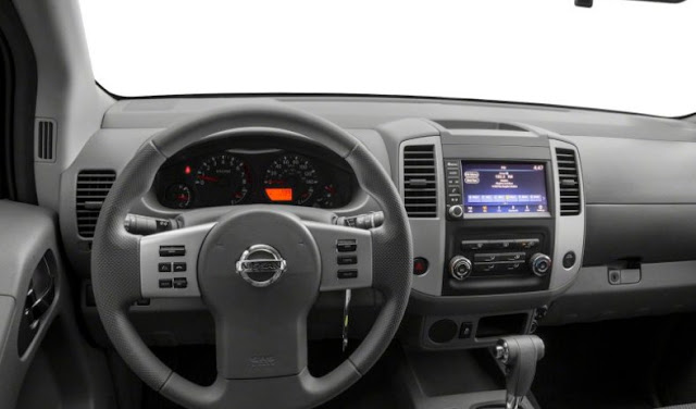 2020-Nissan-Frontier-Pro-4x-interior-steering-wheel-gear-lever-dashboard