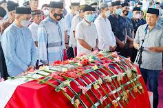 Bupati Lepas Jenazah Wakil Ketua DPRD Kep. Selayar Hj. Suryani Ramli