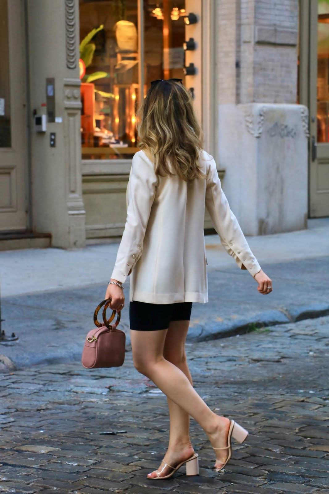 Nyc fashion blogger Kathleen Harper in Soho.