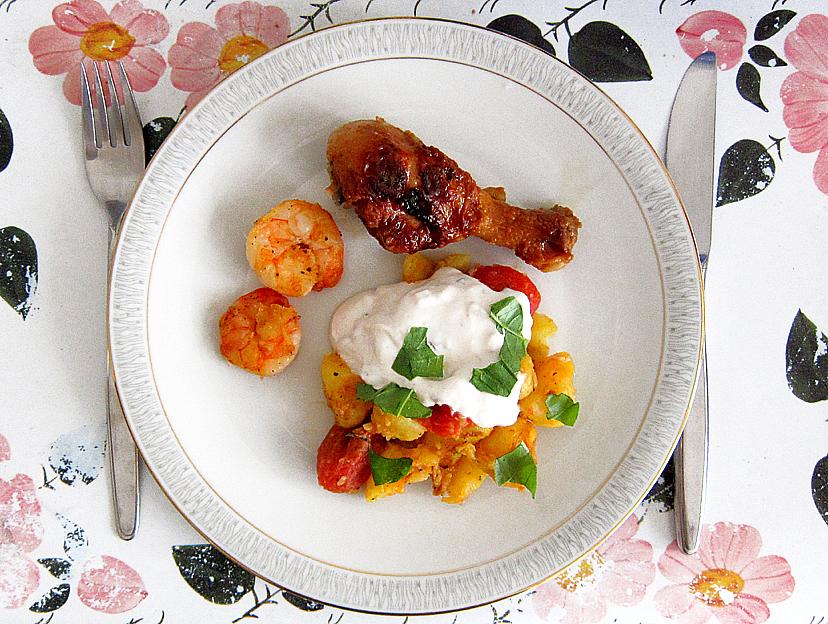 genussbereit vorgestern bei mama rosmarinkartoffeln mit geschmolzenen tomaten minz quark. Black Bedroom Furniture Sets. Home Design Ideas