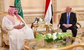الرئيس هادي يلتقي الامير خالد بن سلمان
