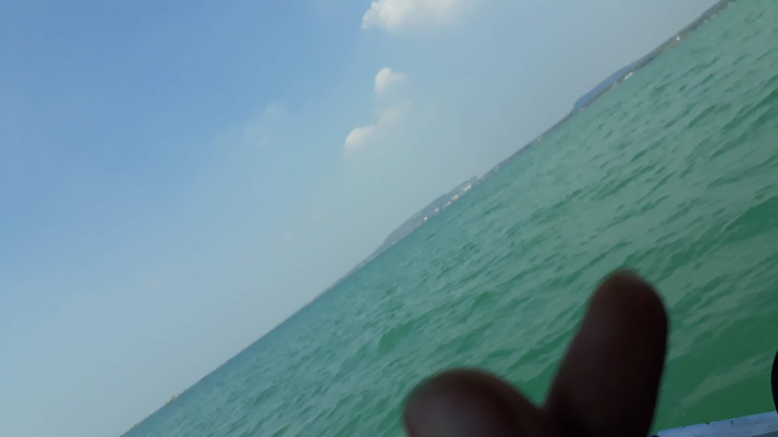 Menikmati keindahan dan panorama biru pantai di Gresik