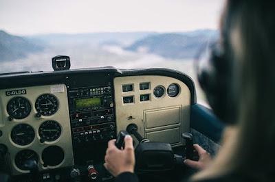 Ingin Daftar Sekolah Penerbangan? Inilah Yang Harus Dipertimbangkan Dengan Baik