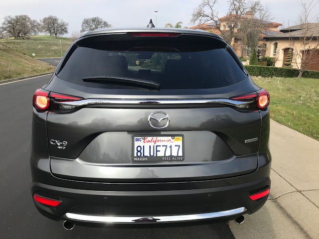 Rear view of 2020 Mazda CX-9 Signature AWD