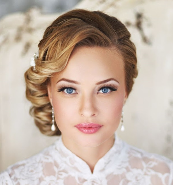 http://www.deerpearlflowers.com/25-most-beautiful-updo-wedding-hairstyles-to-inspire-you/vintage-wedding-updo-hairstyle/#main