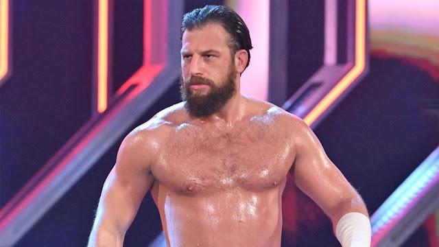 Drew Gulak sofreu lesões internas durante o último SmackDown
