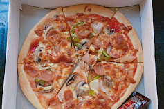 Usaha Menengah Lezatnya Pizza Ala Bang  N'doet