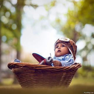 Baby Photoshoot Basket Pose