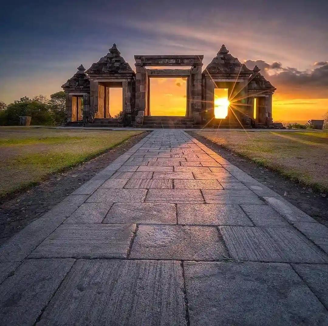 Senja di situs Ratu Boko Yogyakarta - Foto Instagram @rickyart_photoworks
