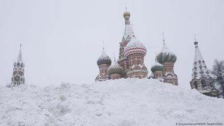 Σε ετοιμότητα η Μόσχα για τον επικείμενο χιονιά