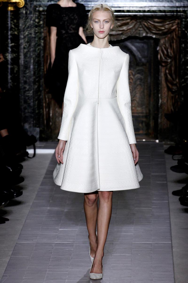 Valentino Spring 2016 Couture: ANDREA JANKE Finest Accessories: Haute Couture