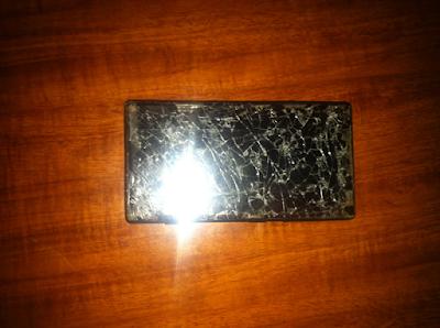 Thay mat kinh Lumia 720 gia re tai ha noi