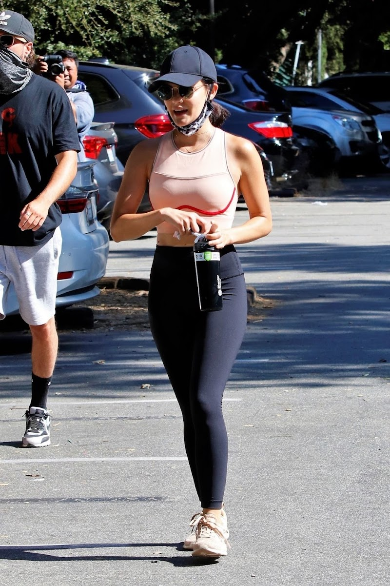 Lucy Hale Out Hiking in Studio City 5 Aug -2020