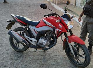 Moto roubada em Soledade é recuperada em São Vicente do Seridó