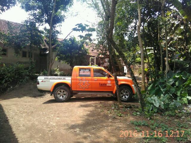 Mobil Lazismu di dekat Rumah Karyadi Siap Mengantar ke Rumah Sakit