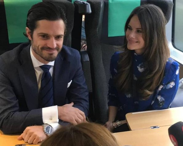 Princess Sofia wore 2ndDay Checked Duster Coat. Frödingskolan School in Kronopark. secondary school teacher Soran Afrasiabi