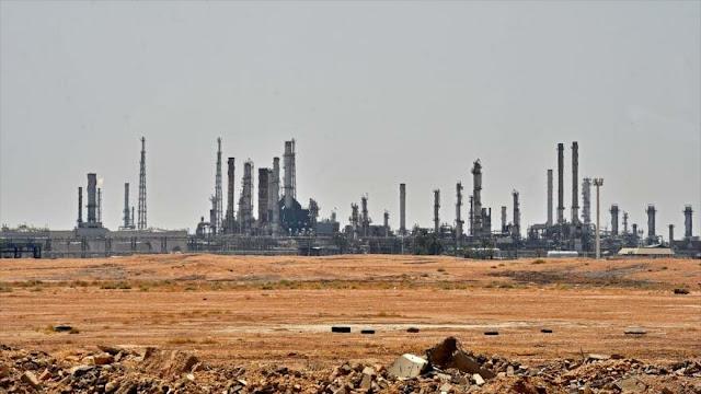 Arabia Saudí se ve obligada a importar crudo tras ataques yemeníes
