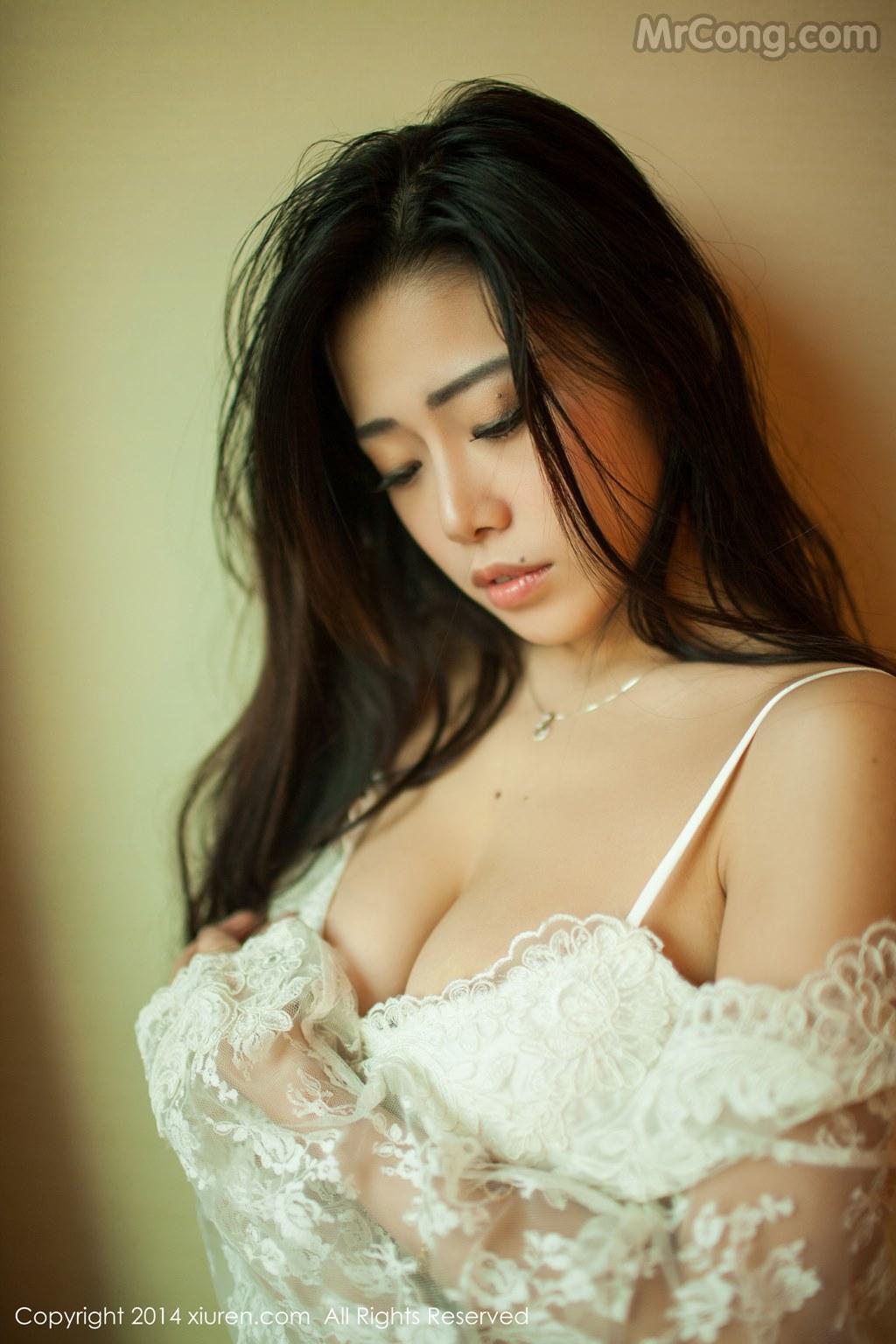 Image MrCong.com-XIUREN-No.161-Luvian-Ben-Neng-016 in post XIUREN No.161: Người mẫu Luvian (本能) (51 ảnh)