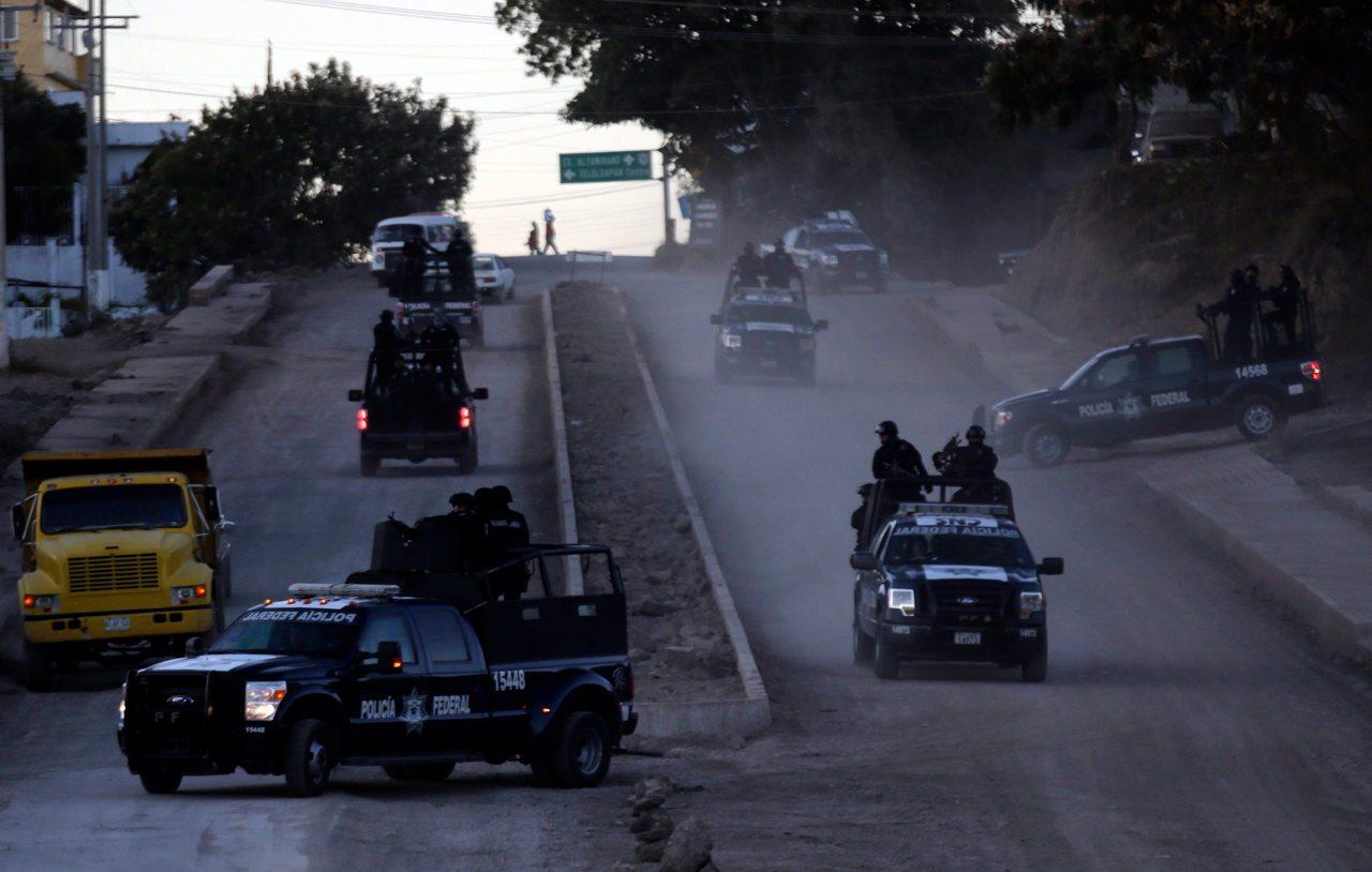 El Narco impone toques de queda a la población, cobro de impuestos y amenazas a personal médico por COVID-19: Segob