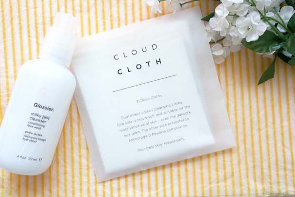 Review - Cloud Cloth Cleansing Cloths | The Beauty is a Beast