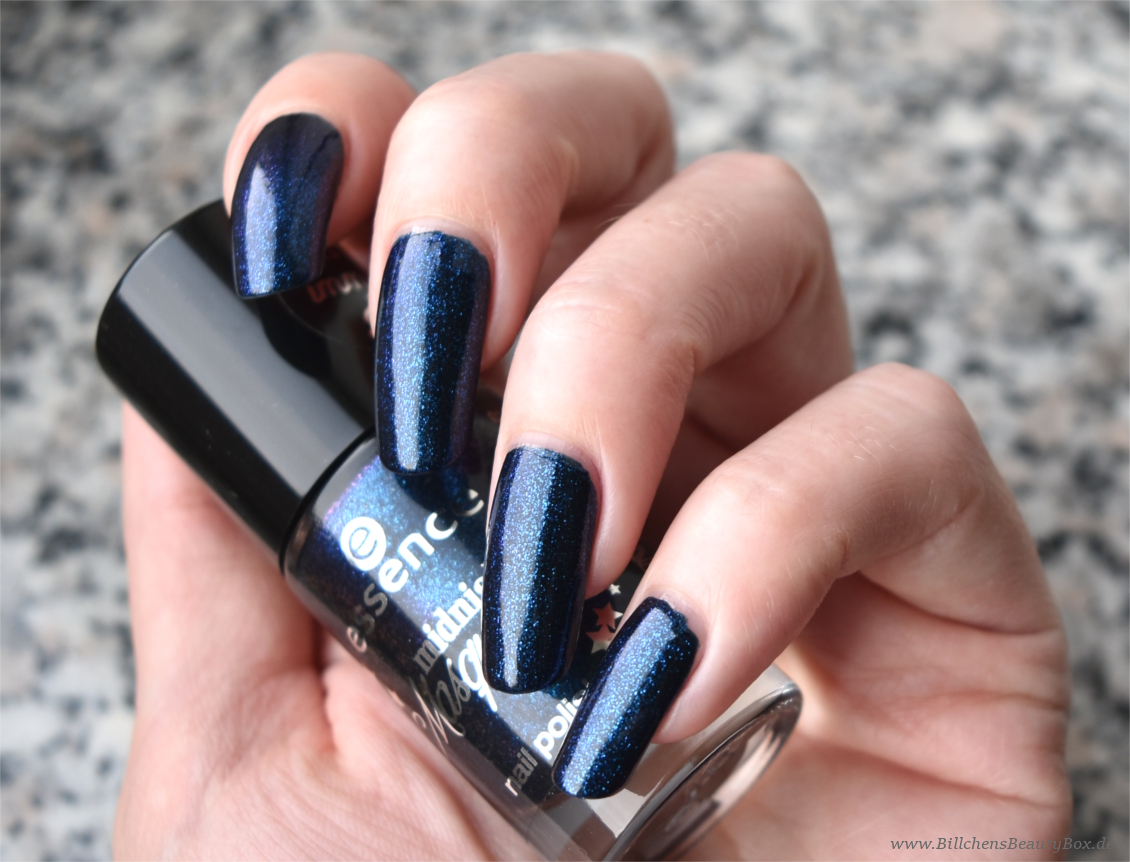 essence - midnight masquerade - meet me midnight Nagellack Swatch