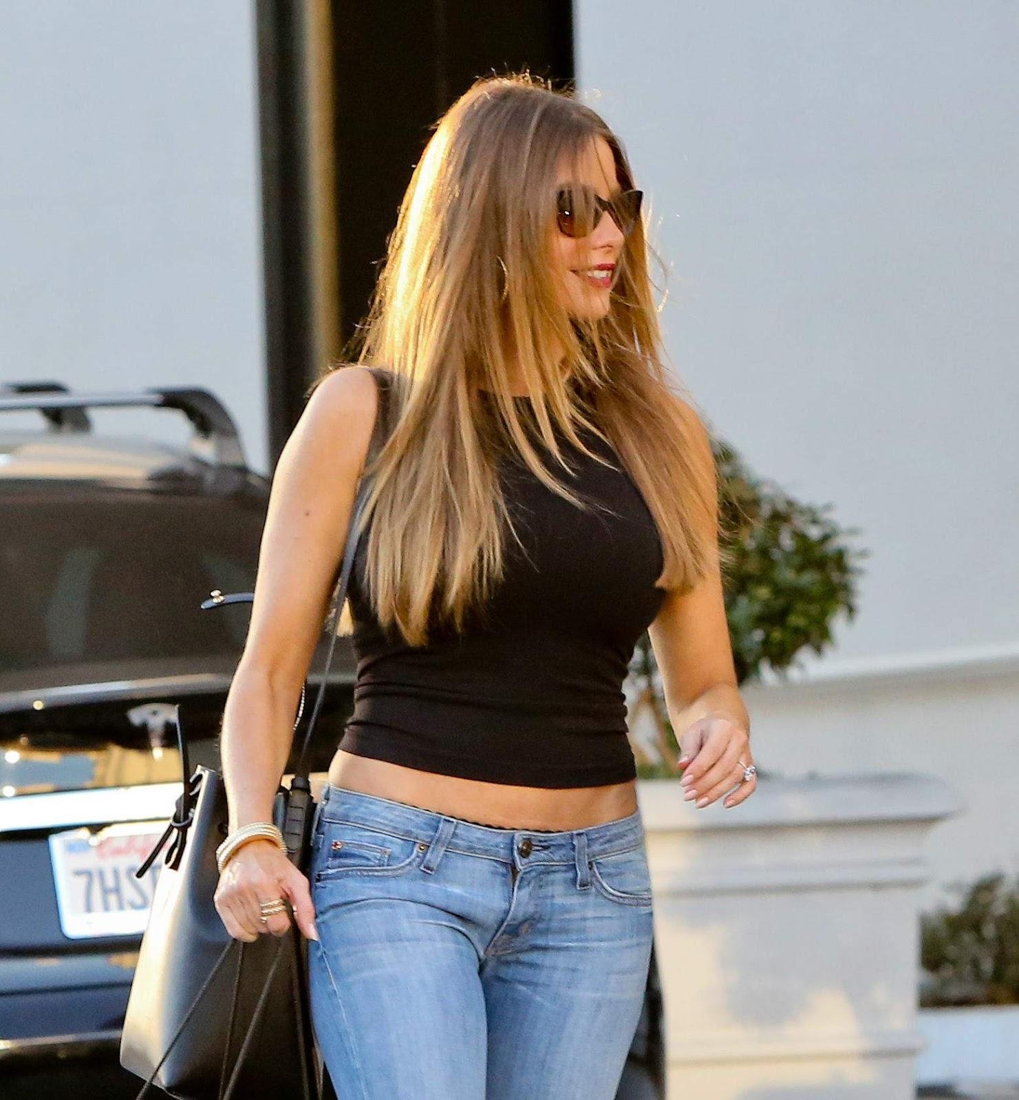 Sofia Vergara in Jeans
