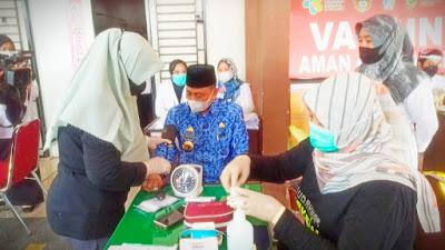 Amran Mahmud Jalani Vaksinasi ke-2 Setelah 14 Hari Vaksin Pertama
