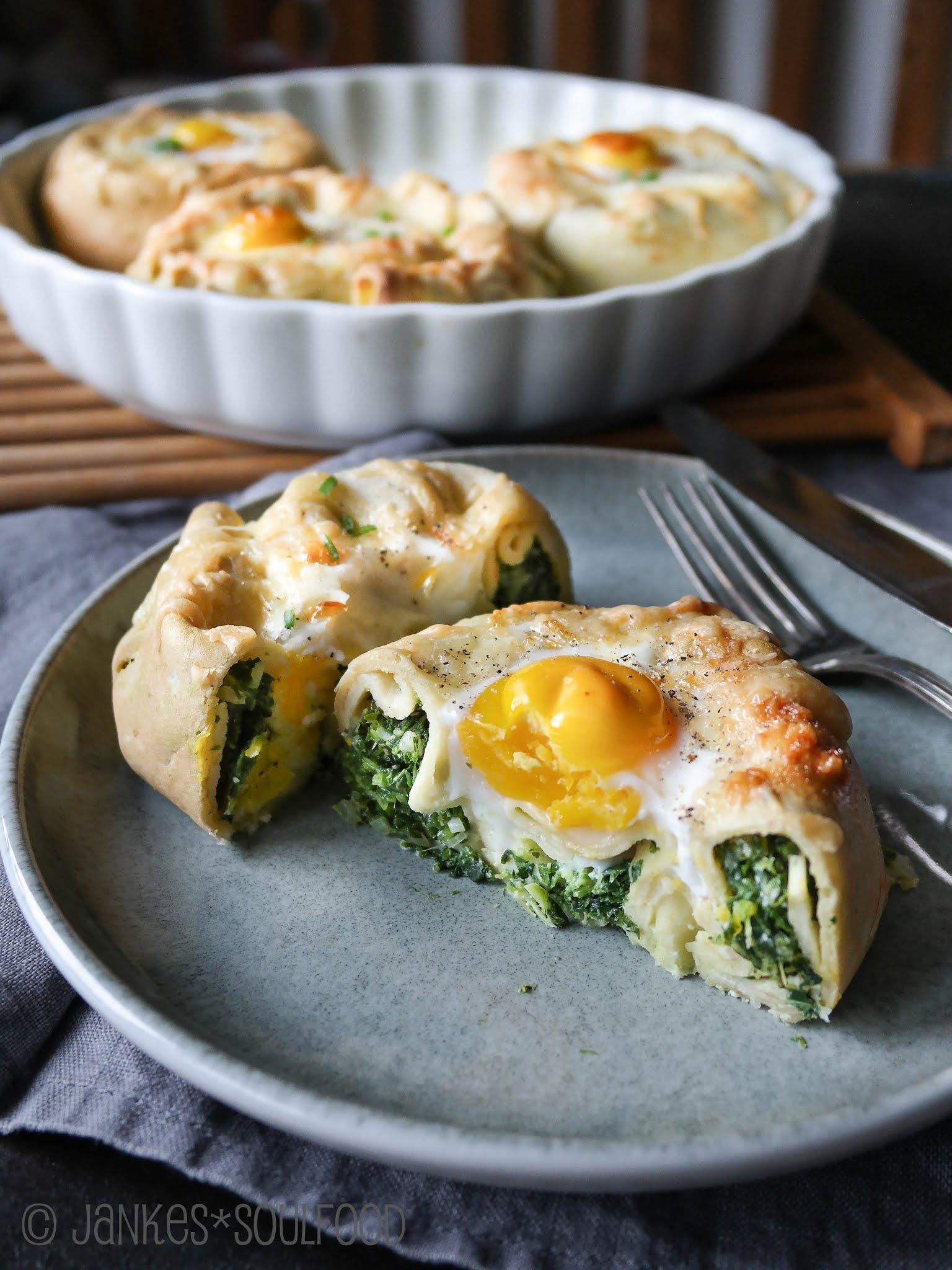 Pfannkuchen-Schnecken mit Grünkohl
