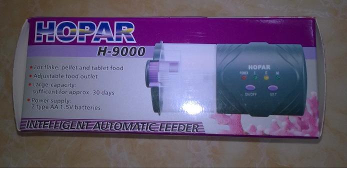 máy cho cá ăn 9000 dùng pin AA dễ sử dụng