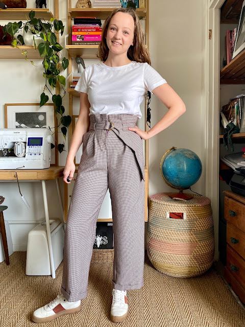 Diary of a Chain Stitcher: Fibre Mood Jasmin Trousers in Houndstooth Wool from The New Craft House