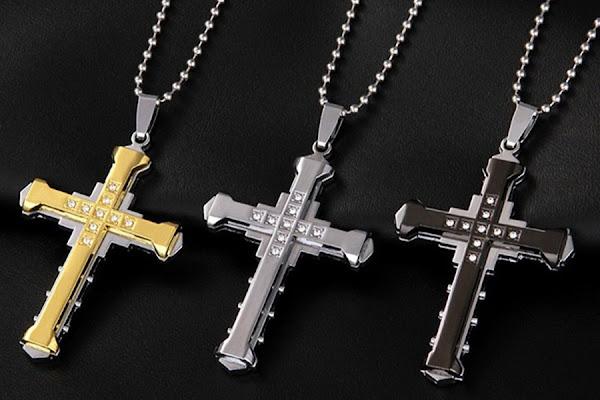 kalung salib bahan mutiara imitasi