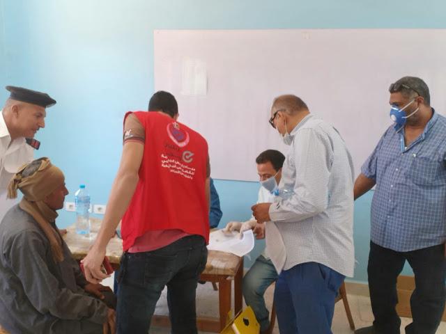 بدء إجراءات تطعيم فيروس كورونا بمدرسة اللاهون بشرق الفيوم