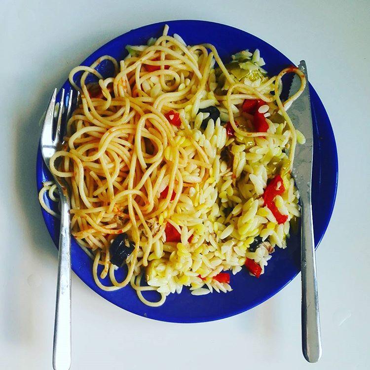 Noodles with Olive I Travelling Hopper