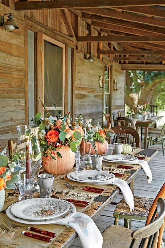 cómo decorar mesa de Acción de Gracias o thansgiving al aire libre y ser el anfitrión perfecto